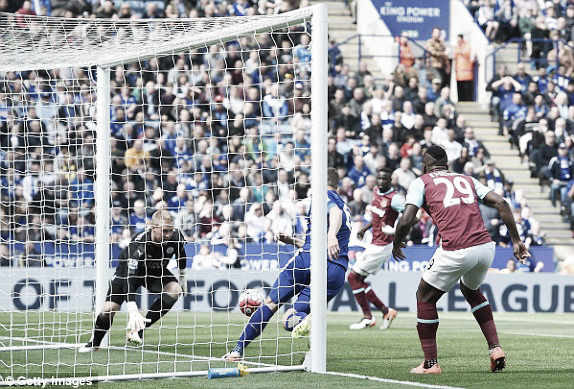 Above: Kasper Schmeichel collects Cheikhou Kouyate's close effort in West Ham's 1-0 defeat to Leicester City | Photo: Getty Images