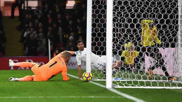 Schmeichel en el gol en propia portería. Foto: Premier League.