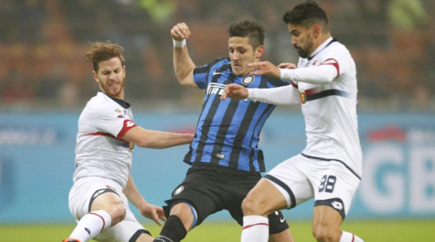 Jovetic battles for possession (photo: reuters)