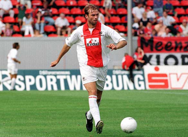 Klopp in his playing days with Mainz. (Picture: www.sokkaa.com)