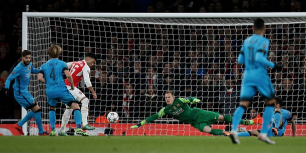 Oxlade-Chamberlain should have made more of his chance on 22 minutes. (Picture: Getty Images)
