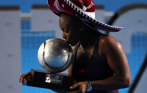 Sloane Stephens with the Acapulco trophy,her third WTA title. Photo:Getty Images/Miguel Tovar/STF
