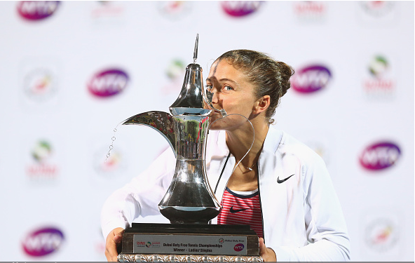 Sara with the trophy. Photo:Getty Images/Francois Nel