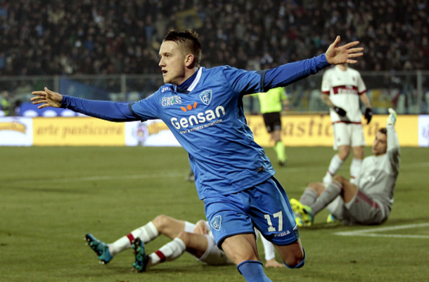 Zielinski celebrates scoring against AC Milan earlier this season. (Getty Images)