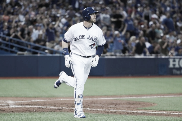 Justin Smoak's homer in the fifth inning gave his team a 5-2 lead. | Getty