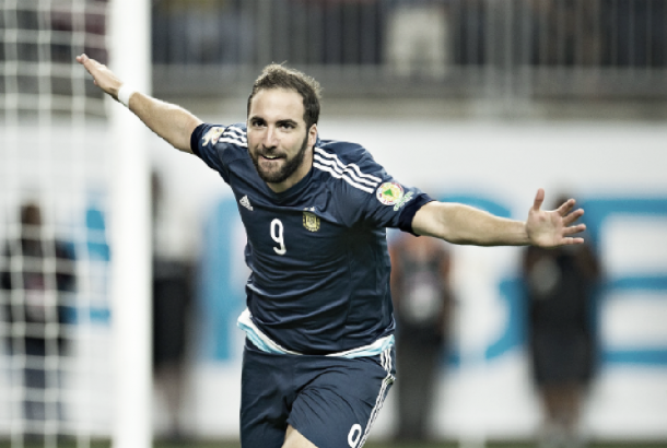Higuain has scored four goals in two knockout stage matches (Photo via @CA2016 on Twitter)