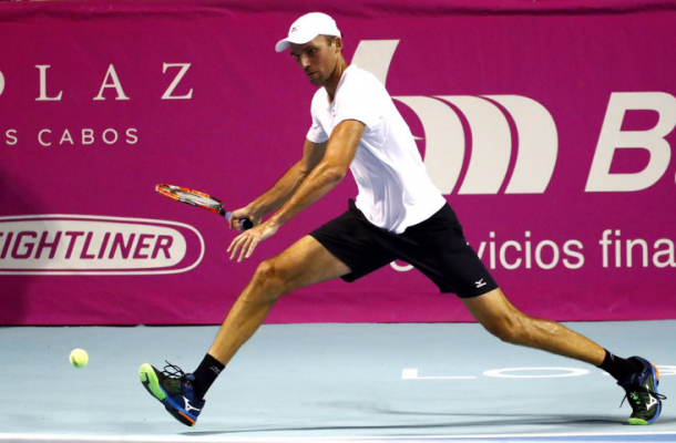 Ivo Karlovic in action during the second day of Los Cabos Open. Photo: Mextenis