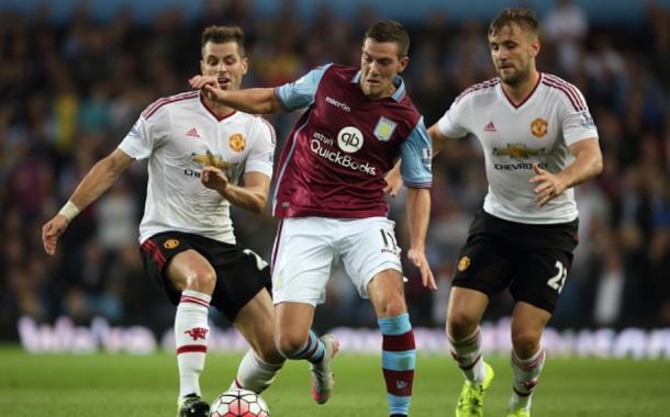 Schneiderlin and Shaw (R) look to catch Jordan Veretout of Aston Villa (Matthew Ashton/Getty Images)