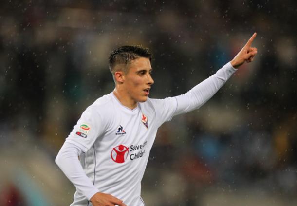 Tello celebrates a goal for Fiorentina (Paolo Bruno/Getty Images)
