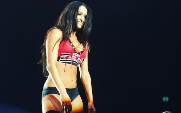 Nikki Bella pinned Carmella for the win (Photo: Twitter)