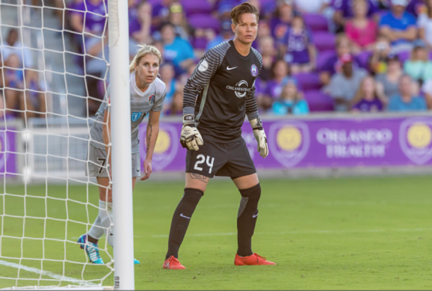 Orlando Pride goalkeeper Ashlyn Harris (24) defends her goal against McCall Zerboni (7) of the Carolina Courage. (Photo by Andrew Bershaw/Icon Sportswire via Getty Images)