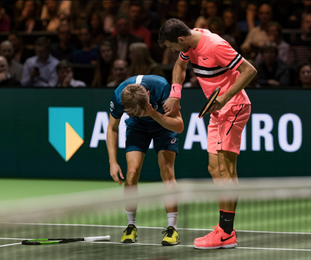 Grigor Dimitrov ran over to make sure Goffin was okay (ABN AMRO WTT Twitter)