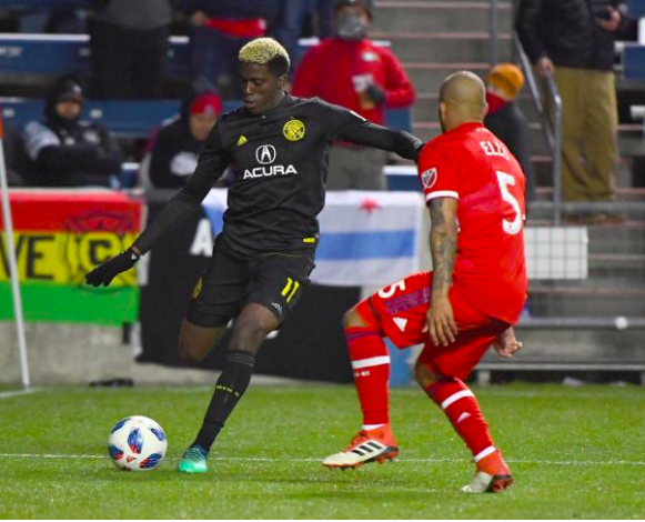 Gyasi Zardes crosses a ball into the box against the Chicago Fire. | Photo: Columbus Crew SC on Twitter