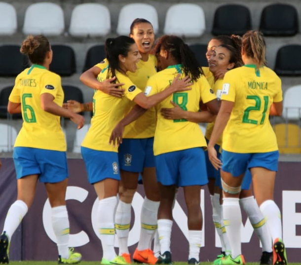 Orlando Pride Marta and Monica #21 celebrate a goal with their Brazilian teammates. (Photo via Cop América Femenina Chile 2018 twitter)