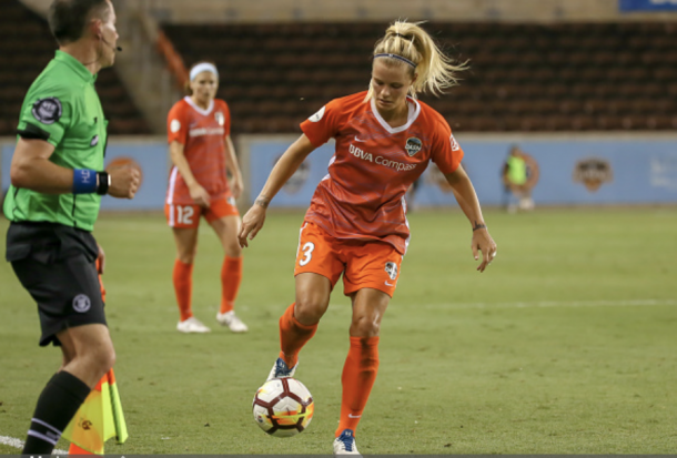 Rachel Daly of the Houston Dash took several tumbles throughout the game. Photo:Getty Images/IconSportswire