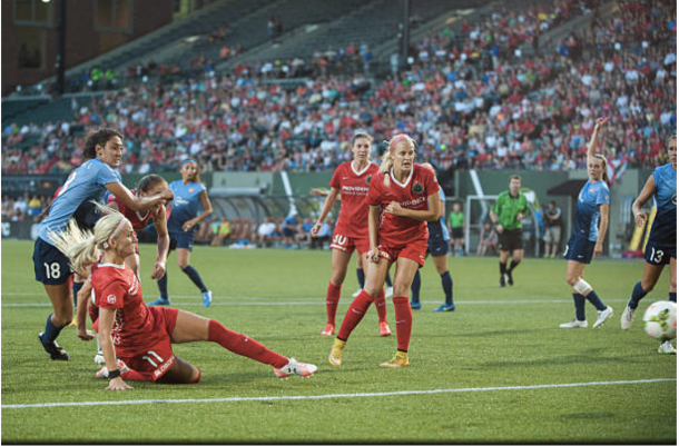 The Portland Thorns fight against the Sky Blue. Image:Getty Images/IconSportswire