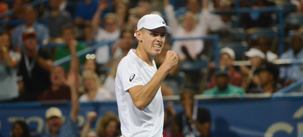 De Minaur reacts after taking his second set tiebreak against Rublev (Noel Alberto/VAVEL USA)