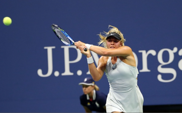 Carina Witthoeft hitting a backhand (Anadolu Agency/Getty Images)