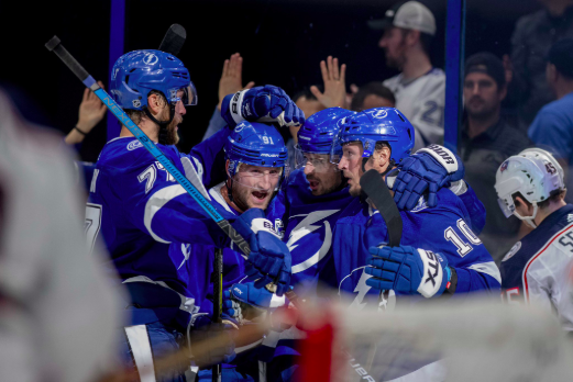 Tampa Bay Lightning players celebrate a goal. | Photo: Douglas DeFelice - USA TODAY Sports
