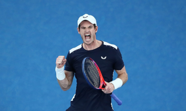 Andy Murray roars after taking set four over Bautista Agut (Scott Barbour/Getty Images)