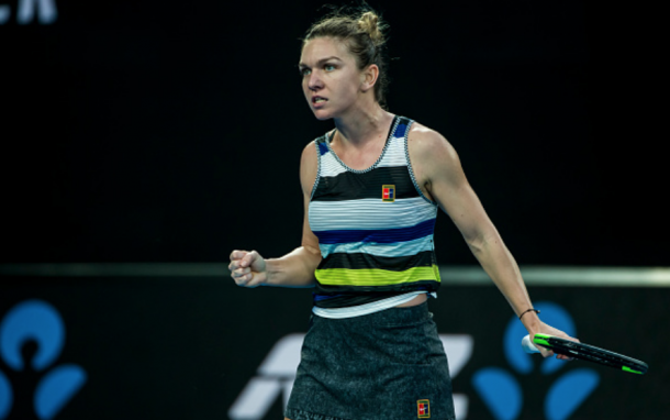 Halep celebrates winning the second set against Serena (Icon Sportswire/Getty Images)
