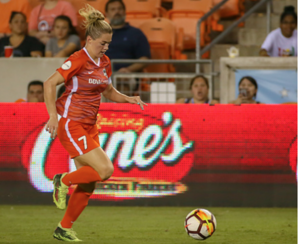 Houston Dash captain cut the Sky Blue FC lead in half in the last minute of the match. (Photo by Leslie Plaza Johnson/Icon Sportswire via Getty Images)