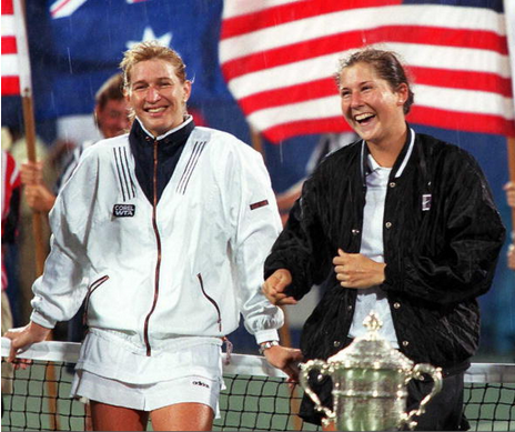 Graf and Seles after the 1995 US Open final (AFP/Timothy Clary)