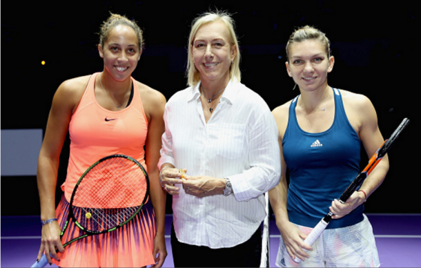 Madison Keys and Simona Halep next to the legendary Martina Navratilova | Photo: Matthew Stockman/ Getty Images