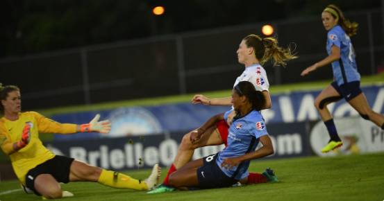 Chicago goalkeeper Alyssa Naeher had four saves on the night but couldn't quite earn the clean sheet.
