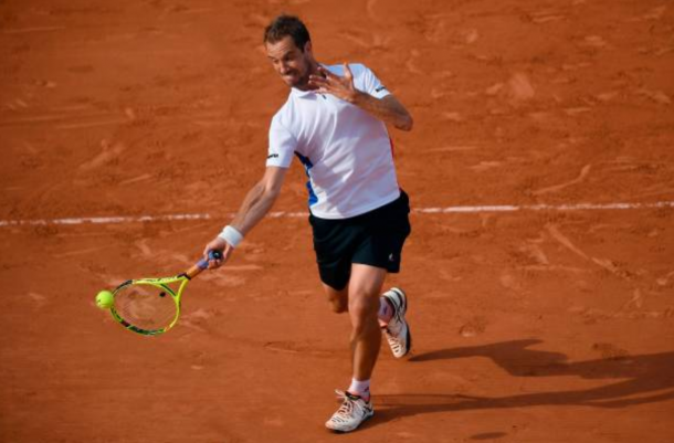 Richard Gasquet hits a forehand shot (Photo: Lionel Bonaventure/Getty Images)