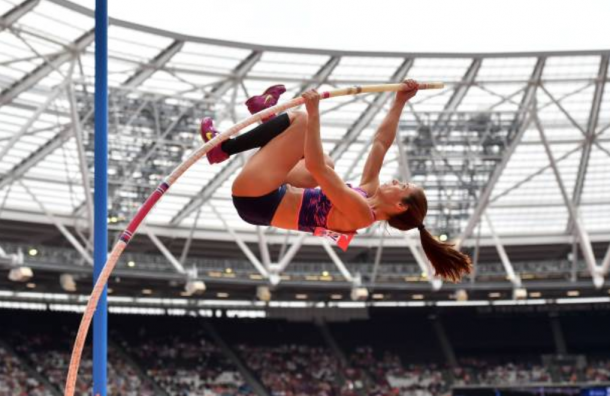 Stefanidi vaults to the top of the Worlds