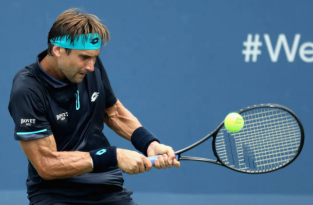 Photo: David Ferrer hitting a forehand shot (Photo: Rob Carr/Getty Images)