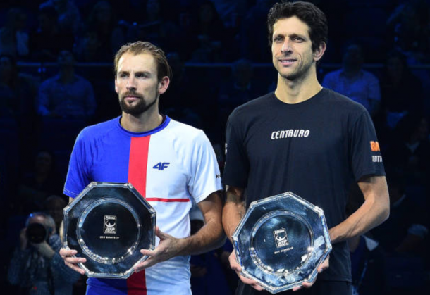 Lukasz Kubot and Marcelo Melo with the Nitto ATP World Tour Finals runner-up trophy (Photo: Glyn Kirk/Getty Images)