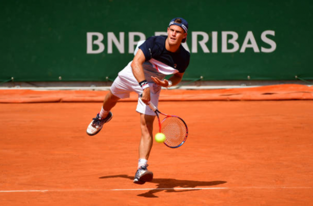 Diego Schwartzman serves up a win against Borna Coric of Croatia (Photo: Dave Winter/Getty Images)