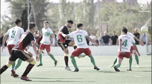 El Trival Valderas empató esta jornada en el Ernesto Cotorruelo contra el Rayo Vallecano B. Fotografía: Twitter del Rayo Vallecano.