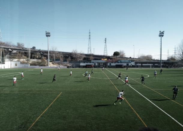 La primera parte entre CF Trival Valderas y ED Moratalaz acabó sin goles, a pesar de las buenas ocasiones de ambos equipos. Fuente: Francisco Nieto.