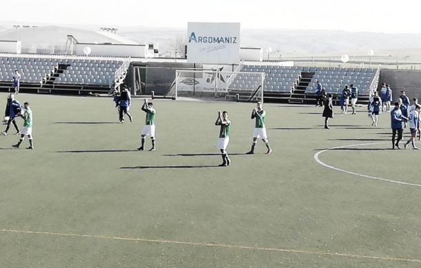 El CD El Álamo venció a la SAD Villaverde San Andrés con un hat-trick de Flores. Fuente: Twitter del CD El Álamo.