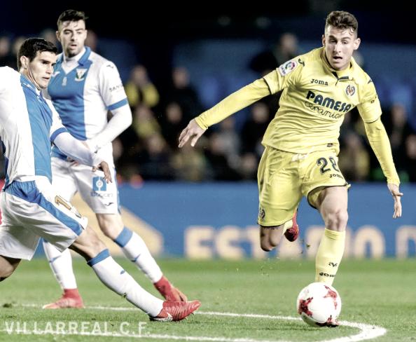 Raba intentando superar a la defensa pepinera en el encuentro de vuelta | Foto: Villarreal CF