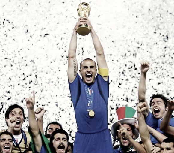 Cannavaro levantando la Copa del Mundo 2006 | Foto: FIFA