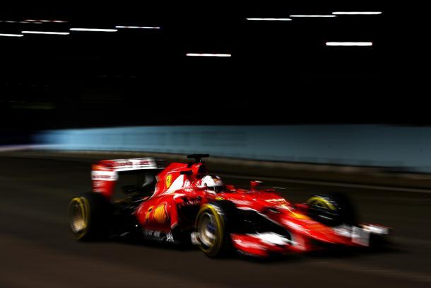 Sebastian Vettel durante el GP de Singapur de 2015   Fuente: Getty Images