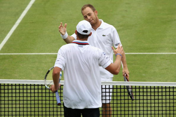 Sela shakes hands with Andy Roddick of USA after winning their third round match against on Day 4 of the the AEGON Championships at Queen's Club on June 10, 2010 in London, England. (Photo by Clive Brunskill/Getty Images)