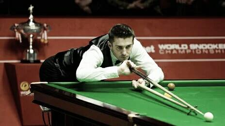 Selby lines up a shot, he'll face Marco Fu next | Photo: BBC Leicester Sport