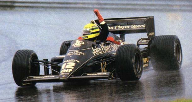 Senna festeggia la sua prima vittoria
