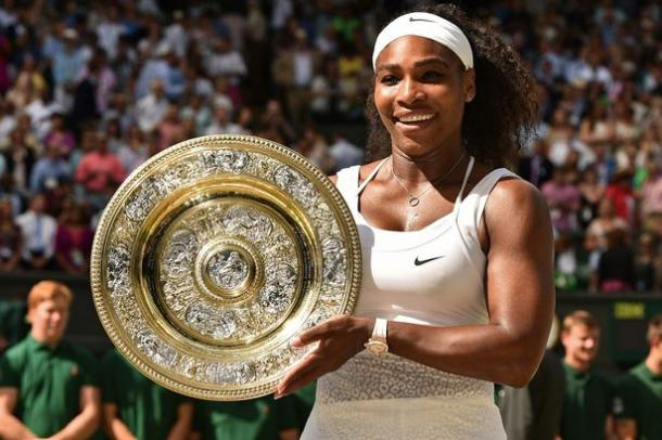 Serena Williams with her 2015 Wimbledon trophy. Photo: Getty Images