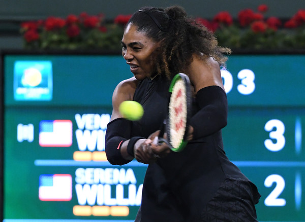 Serena Williams was having several issues dealing wit the return thus far | Photo: Kevork Djansezian/Getty Images North America