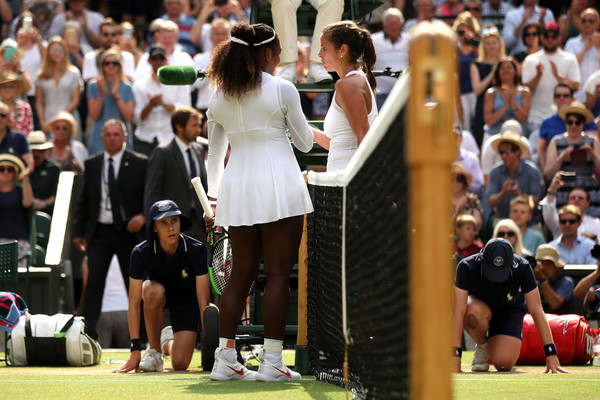 Serena Williams and Julia Goerges share a warm handshake at the net | Photo: Julian Finney/Getty Images Europe