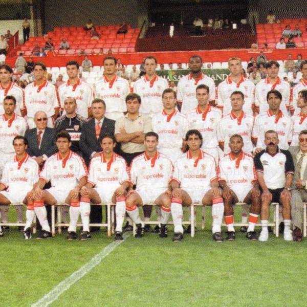 Plantilla del Sevilla de la temporada 1999-2000. Foto: sevillafc.es