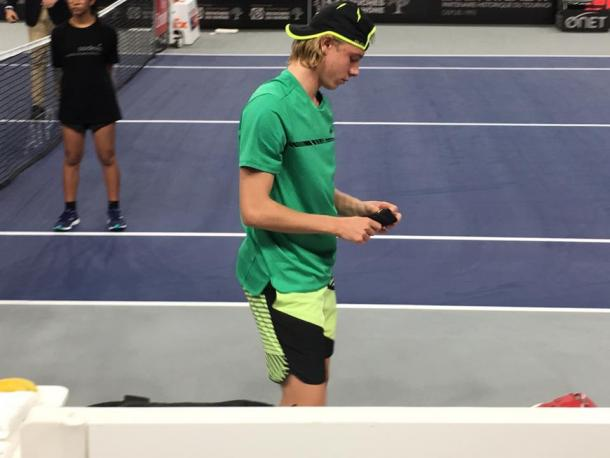 Shapovalov adjusts his wrist bands during his loss. Photo: Open 13 Marseille