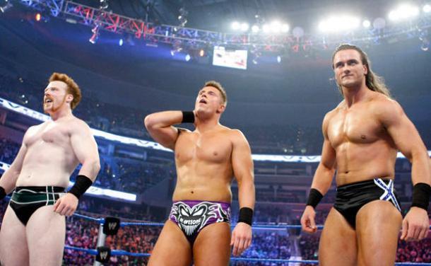 Sheamus, The Miz y Drew McIntyre después del combate