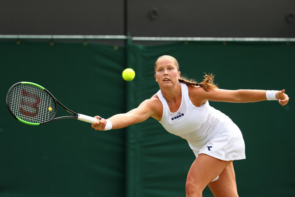 Shelby Rogers returns a serve | Photo: Michael Steele/Getty Images Europe